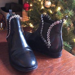 ALAÏA PARIS Detailed Ankle Boots